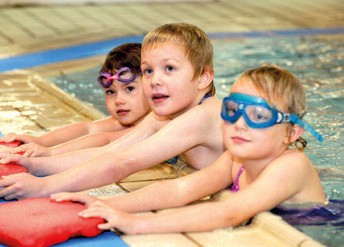 Children's group swimming lessons