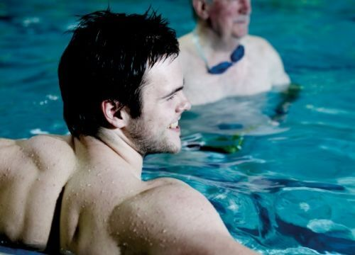 adult swimming lessons freedom leisure